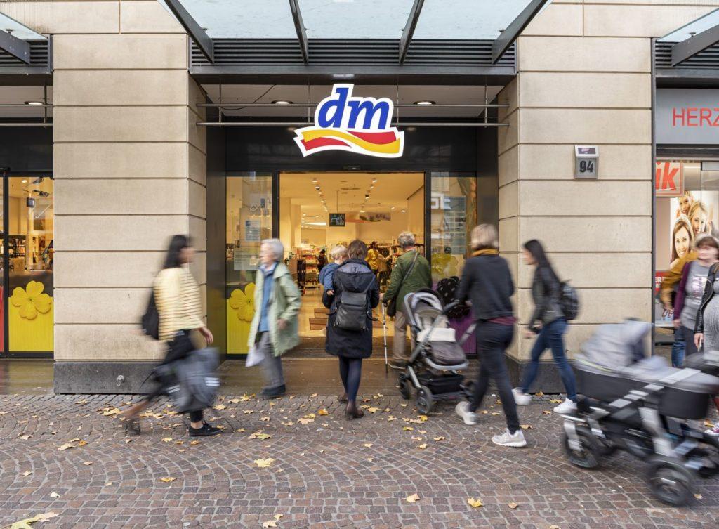 dm-drogerie markt; copyright: ARTIS-Uli Deck