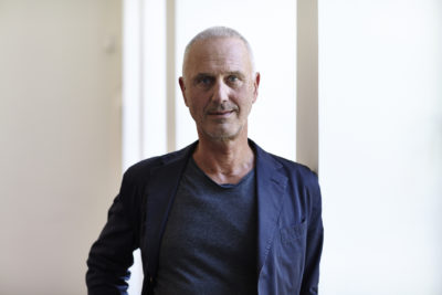 Rainer Zimmermann is a Professor of Strategy, Design and Communication and Co-founder of the Retail Design course at the Düsseldorf University of Applied Sciences (HSD).