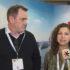 Ein Mann und eine Frau werden interviewt