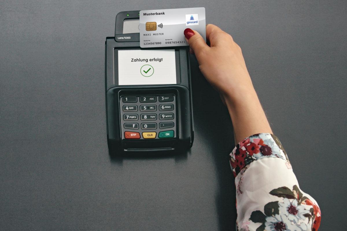 Kontaktlos Bezahlen mit der girocard: Wie sicher ist die Technologie?
