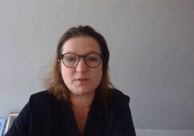 Frau bei einer Videokonferenz; copyright: beta-web GmbH/iXtenso