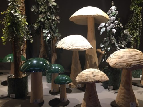 Wooden mushrooms; copyright: iXtenso/Pott