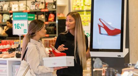 The smartphone as a customer's shopping companion