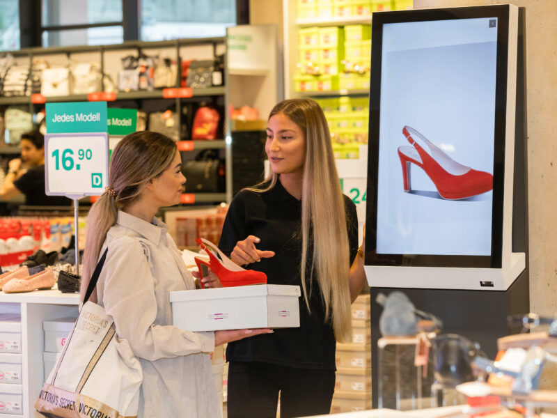 The smartphone as a customer's shopping companion