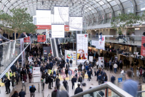 Safe and Personal: Exhibition Planning and Physical Visitor Contact at In-Person Trade Shows