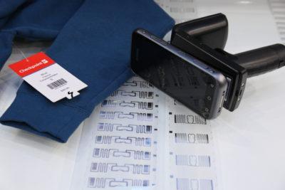 Bild: RFID-Inlays für Chips; Copyright: ixtenso