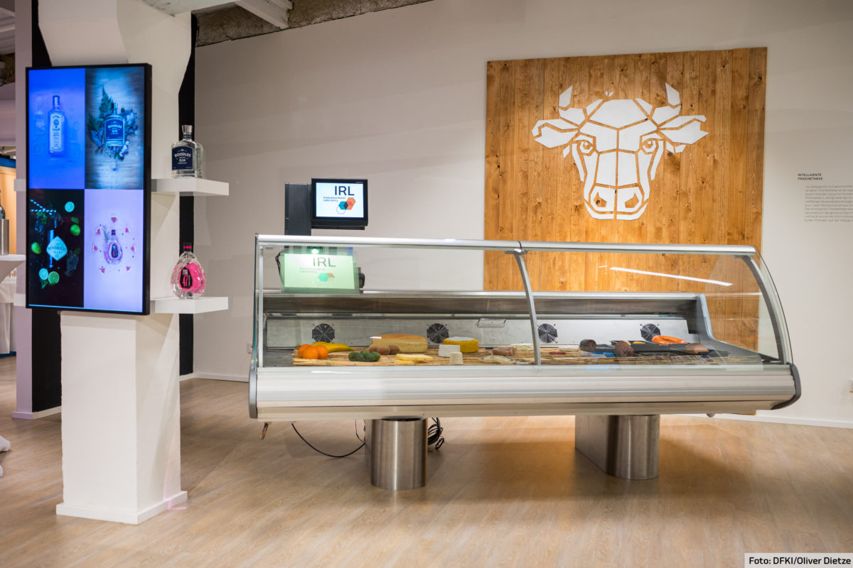 Intelligent Fresh Food Counter – AI Supports In-Person Customer Service through the Glass Panel