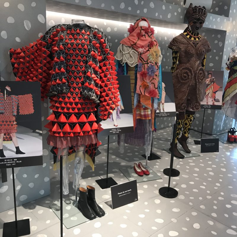 Coat stands and half mannequins