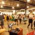 Mercato Metropolitano: Die Gäste der Food Hall tanzen den Lindy Hop zwischen Mozzarella- und Gelato-Ständen (Foto: Saramontali)