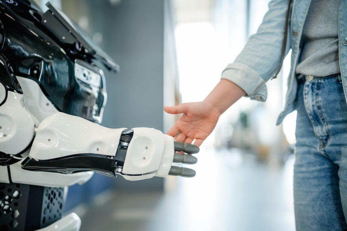 Digitale Assistenten – Von Mitarbeitern gewünscht?