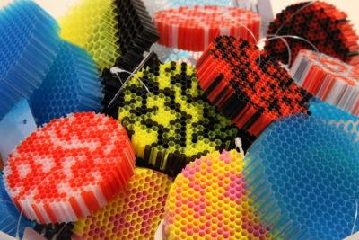 Bild Polycarbonatwaben in verschiedenen Farben; Copyright: iXtenso