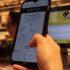 Smartphone scannt QR-Code; copyright: mHoch4