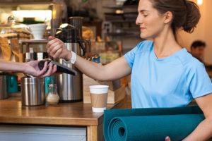 Wirecard und Mastercard kooperieren für mehr kontaktlose Wearable-Payments