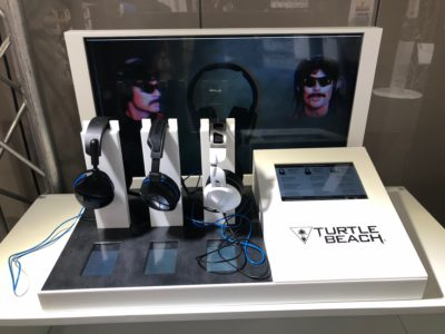 Turtle Beach Kiosk Display mit Kopfhörern