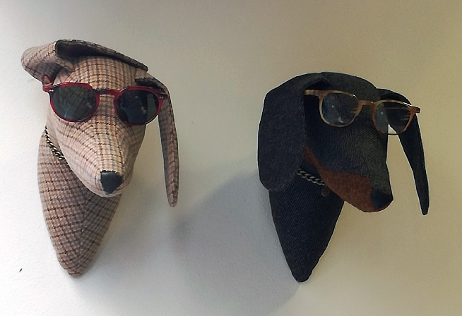 To go to the dogs: Animal Mannequins