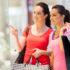 Zwei Frauen beim Shoppen; copyright: panthermedia.net / michaeljung