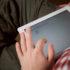 Erwachsener Mann auf Tablet-PC; copyright: PantherMedia / Ruslan117