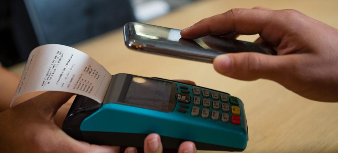 Kontaktloszahlungen steigen auf Rekordhoch