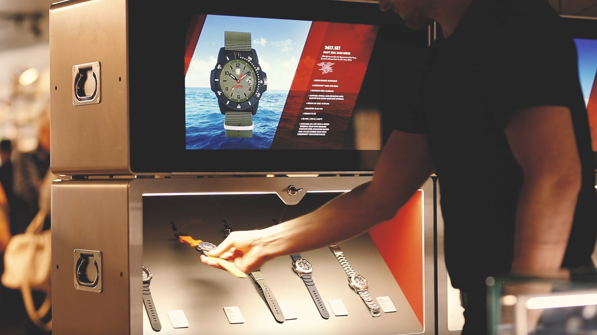 Display Box bei Luminox Pop-up-Store in Basel