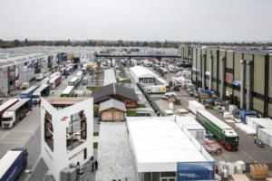 1000 big trucks, 3 days for dismantling, 2 logistics managers