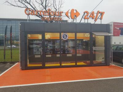 Unbemannter Store auf orangenem Boden; copyright: Carrefour Express 24/7